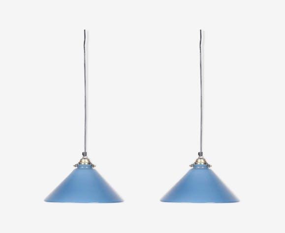 Ensemble de 2 suspensions en verre bleu opale, années 1930