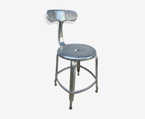 ancienne chaise d 39 atelier industriel nicolle prototype galvanis queue de baleine vintage. Black Bedroom Furniture Sets. Home Design Ideas