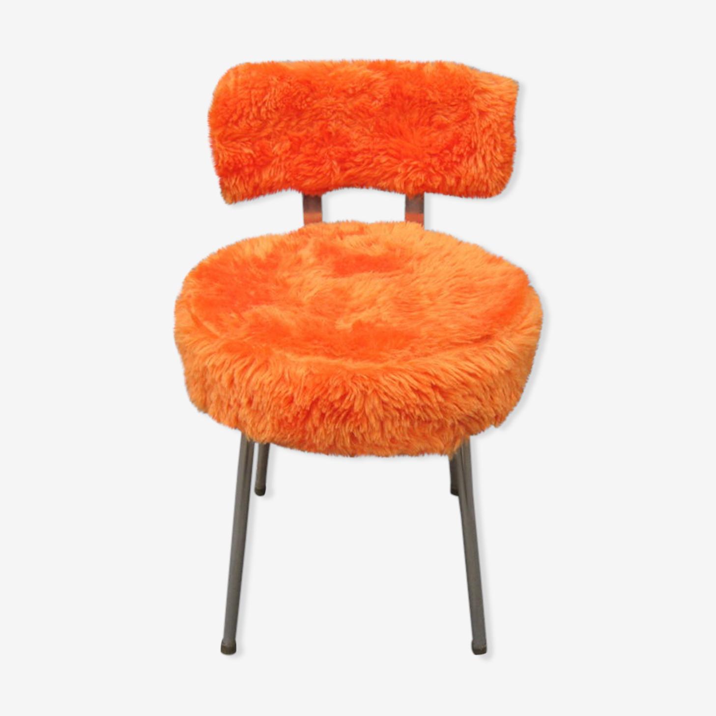 Chaise moumoute orange années 70