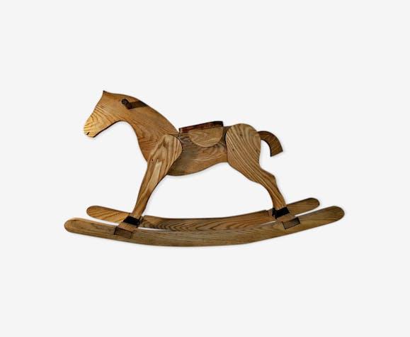 Cheval à bascule artisanal en chêne chevillé bois