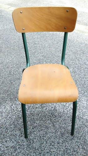Bureau d'écolier avec sa chaise, 1950