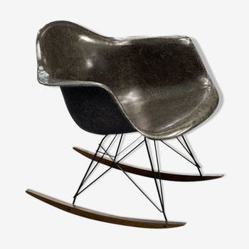 Rocking-chair bu Charles et Ray Eames for Herman Miller