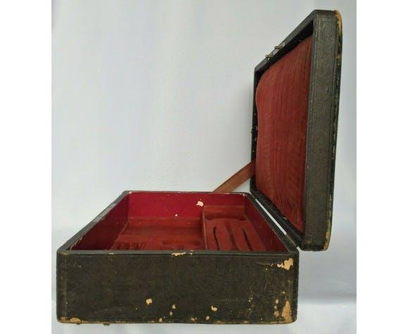 Valise en cuir pour menagère en argent massif du XIXème