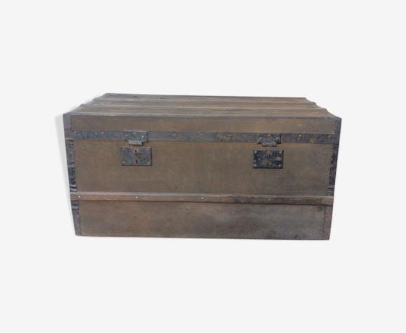 Ancienne malle en bois