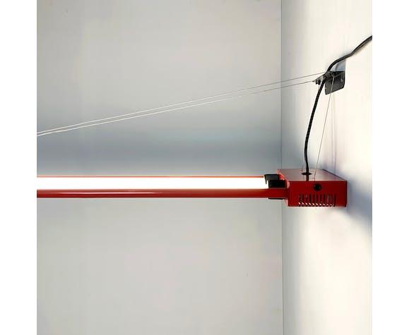Suspension fluorescente rouge par Gian N. Gigante pour Zerbetto, 1980
