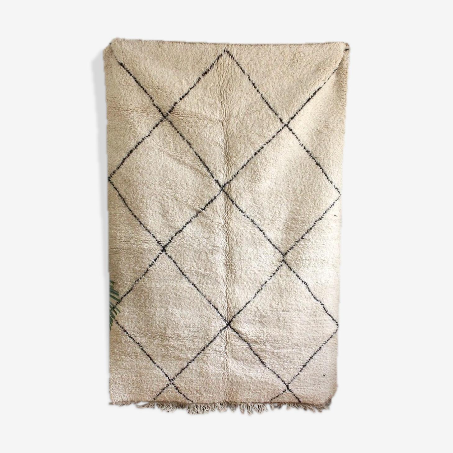 Beni ouarain woven hand to the Morocco berber carpet  150x225cm