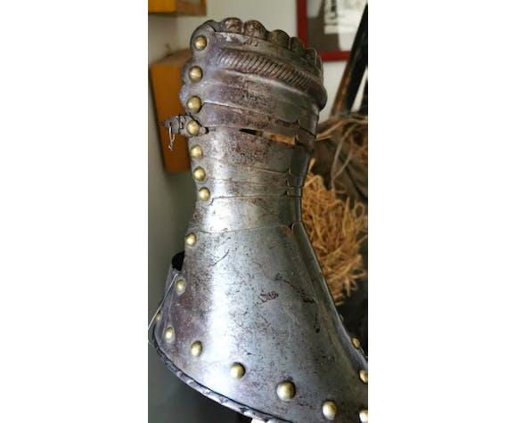 Armure médiévale dite d'apparat datant du XIXème.