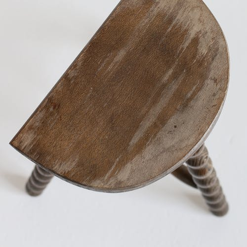 Tripod stool with turned feet
