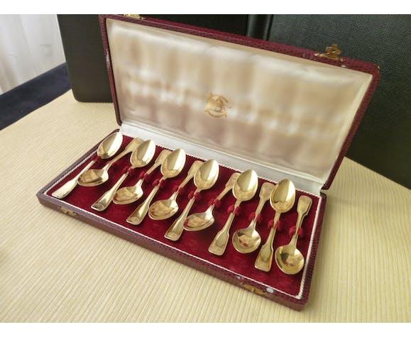 Coffret de 12 cuillères à moka en métal argenté doré modèle coquille