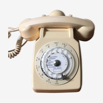 Vintage phone with rotating dial