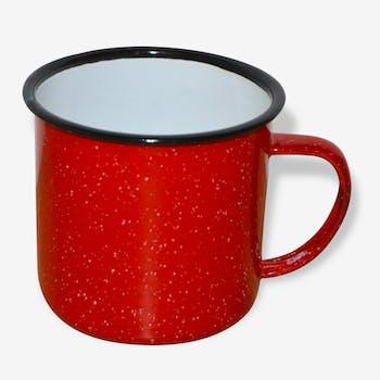 Tasse en tôle émaillée rouge moucheté