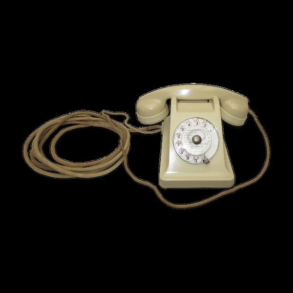 Téléphone vintage en bakelite de couleur ivoire