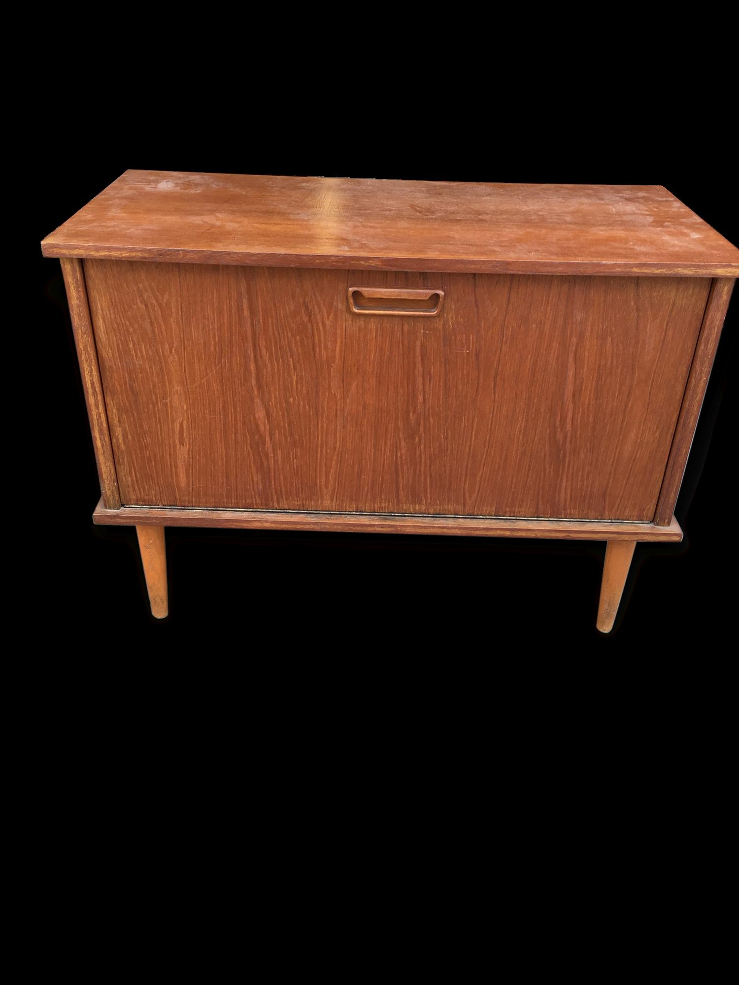 meuble bar original cool meuble bar design original en bois laqu en cuivre equator boca do lobo. Black Bedroom Furniture Sets. Home Design Ideas