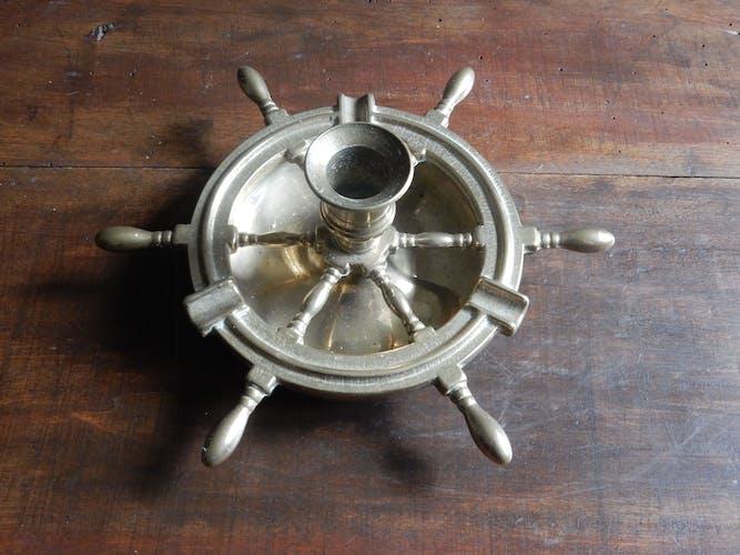 Cendrier et chandelier en laiton forme barre de bateau