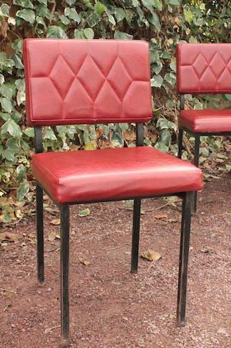 Série de 4 chaises rouges en skaï
