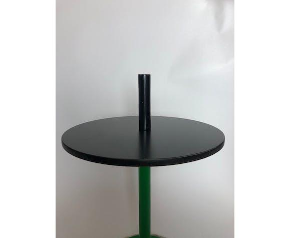 Table d'appoint Memphis des années 80 design italien en marbre