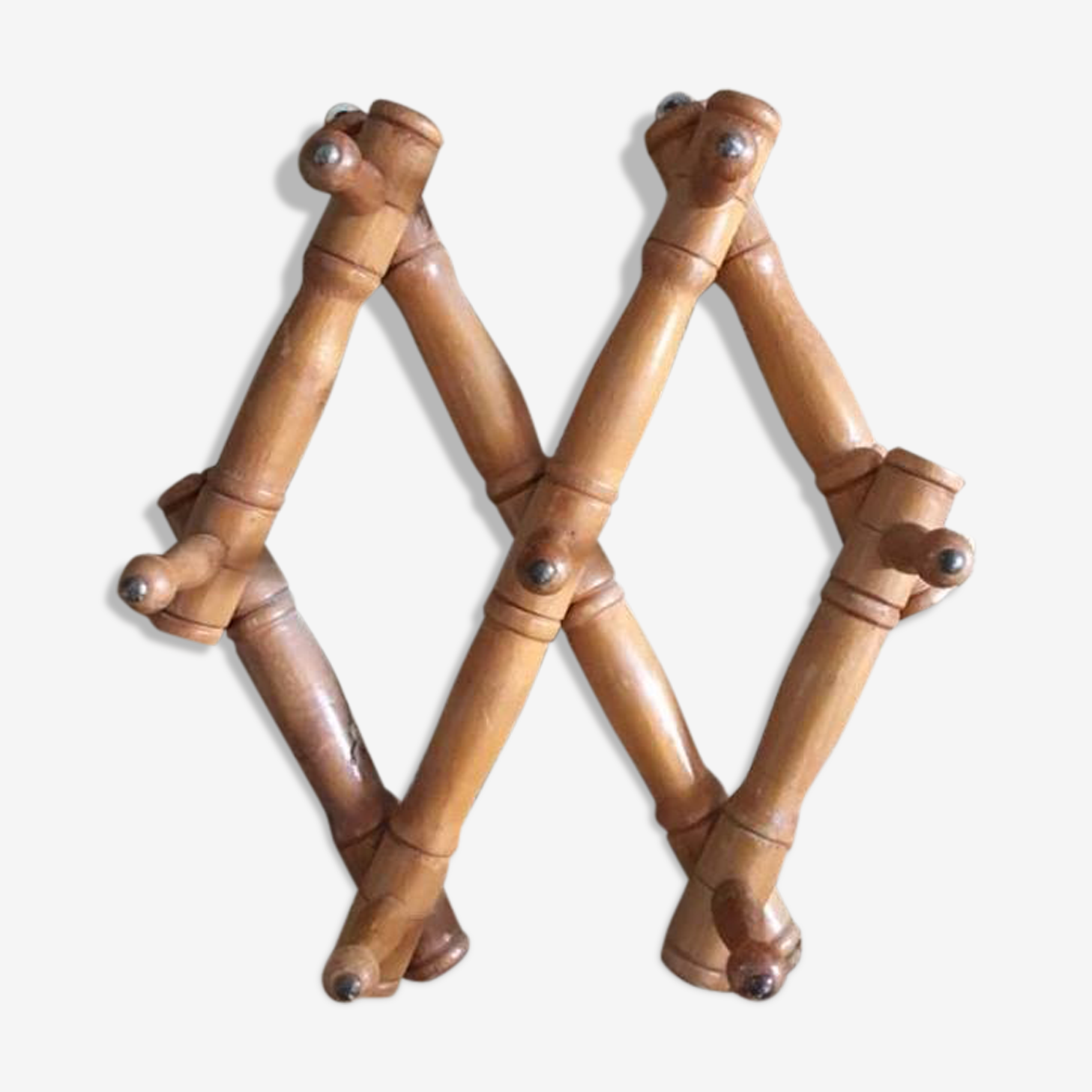 Expandable wall coat rack wooden way bamboo of the 1960s.