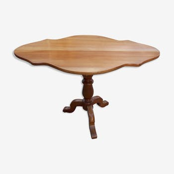 Form violin in solid cherry side table