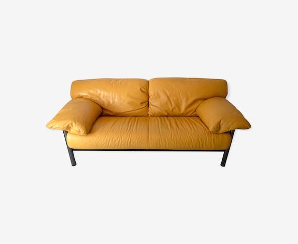 Canapé Poltrona Frau en cuir vintage design italien