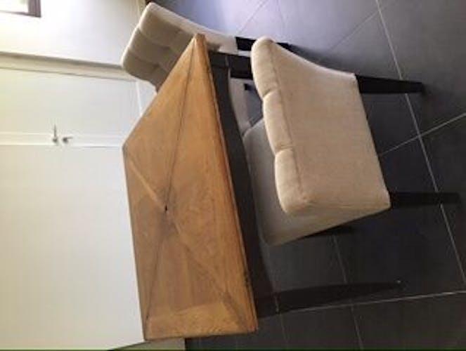 Table portefeuille carrée bois massif