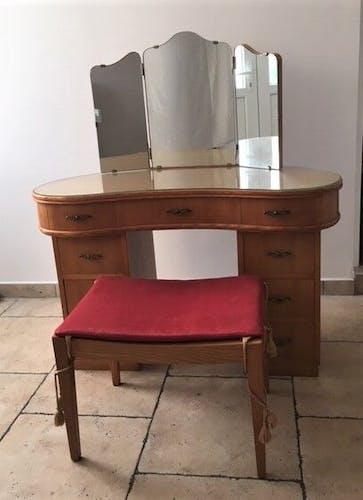 Coiffeuse en bois massif en forme de haricot, miroir triptyque, avec tabouret