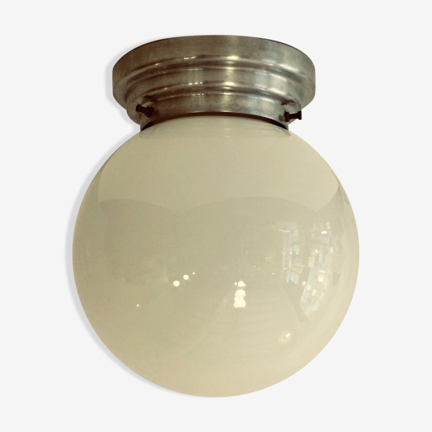 Applique plafonnier vintage globe boule en verre opaline blanche