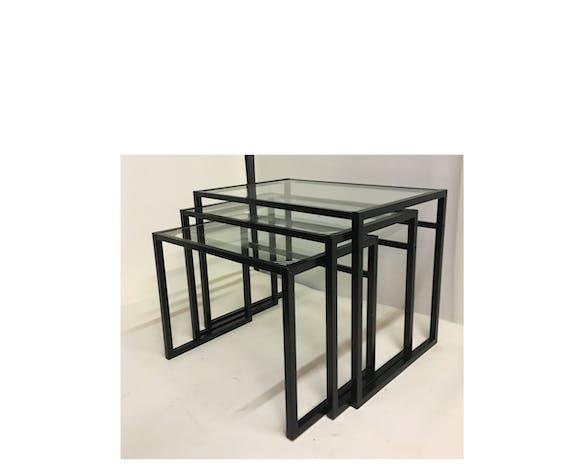 Tables gigognes minimalistes