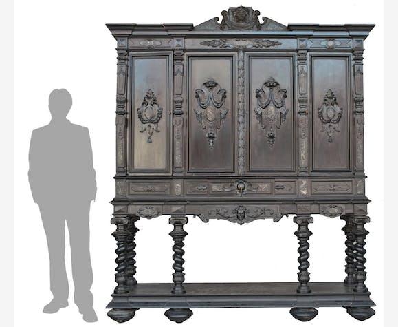 Meuble De Chateau Important Cabinet Bois Noirci De Style