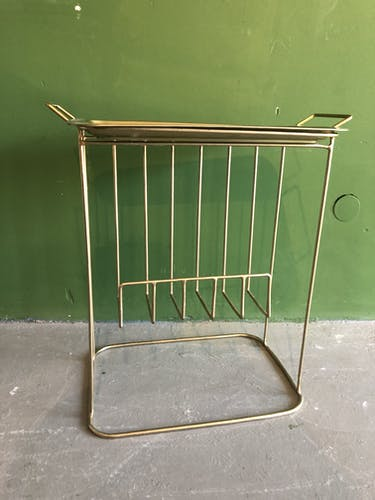 Chariot en métal doré avec plateau amovible