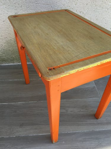 Child desk all in wood with orange feet