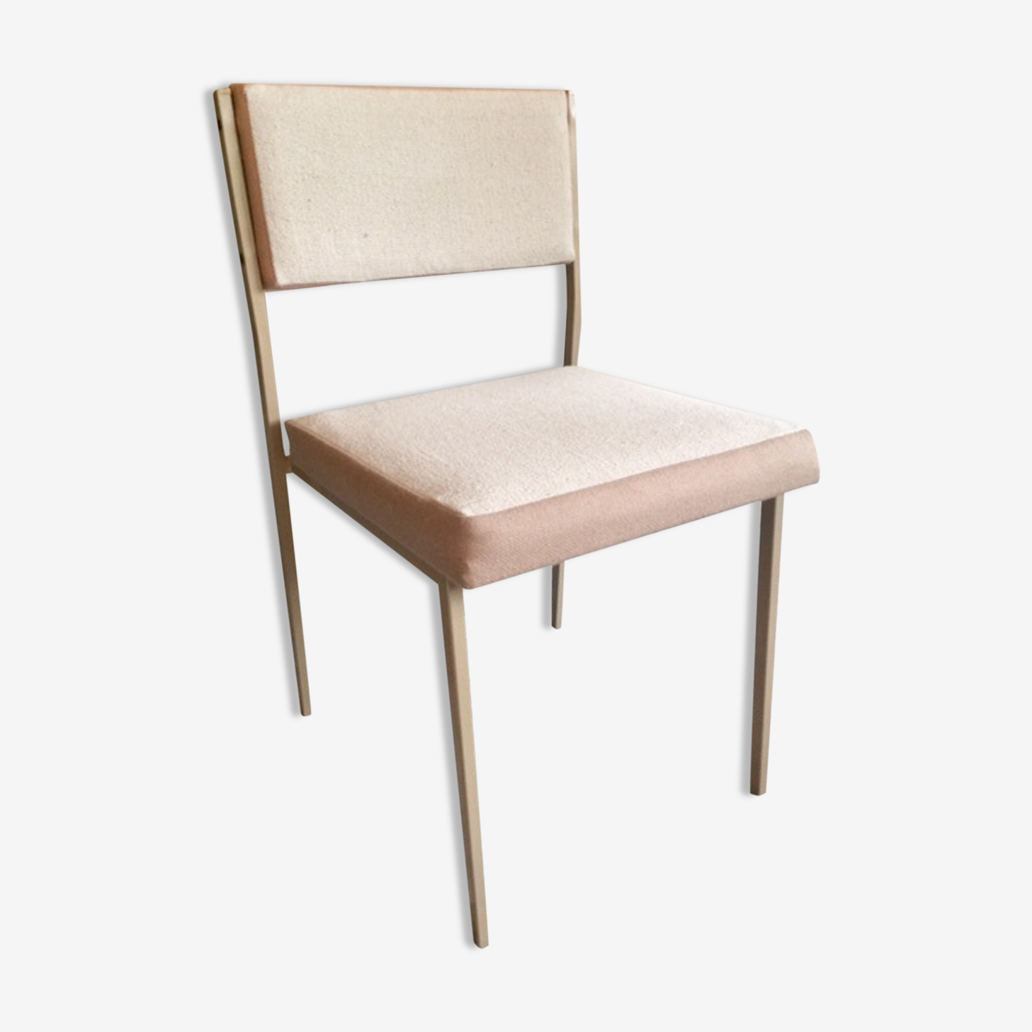 Chaise épurée