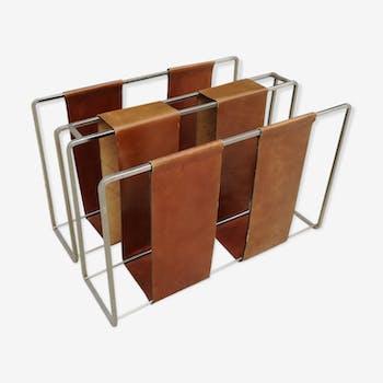 Porte revue minimaliste en métal et cuir camel