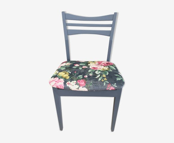 Blue Velvet Chair wooden flowers vintage effects!