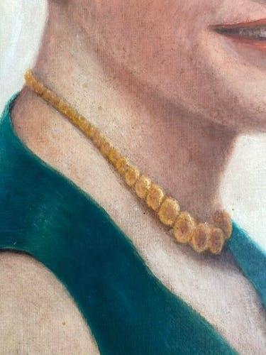 Portrait d'une femme, signé Debiesse daté 1928