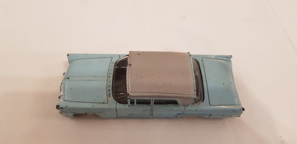 Voiture Dinky toys Lincoln 1959