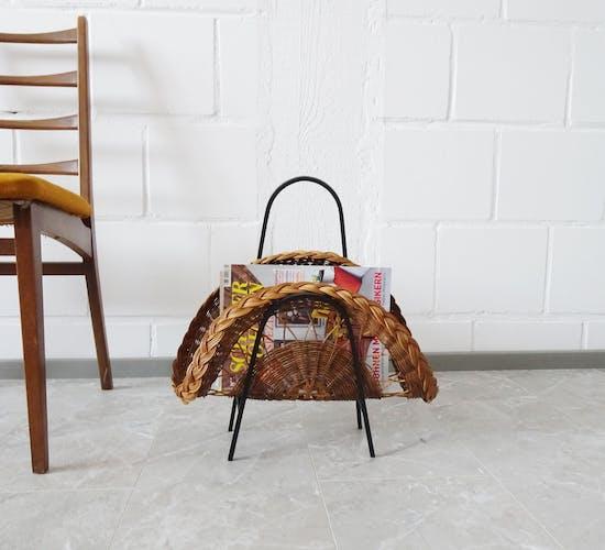 Porte-revues en rotin avec fer forgé des années 1960