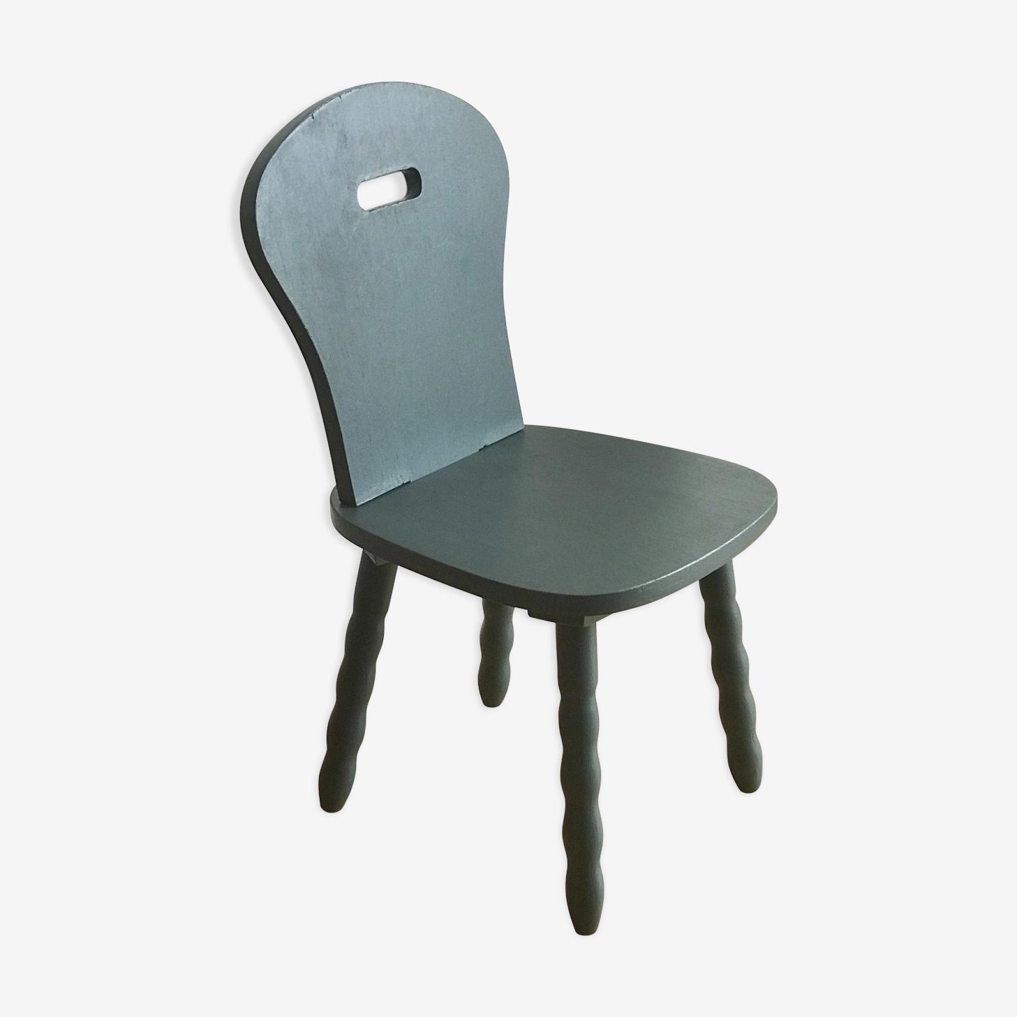 Chaise enfant revisitée en bleu canard