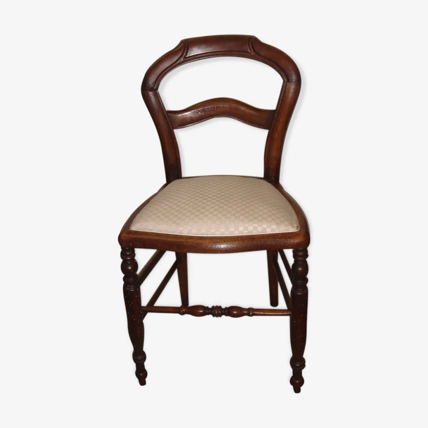 Chaise de chambre relookée avec tissus moderne