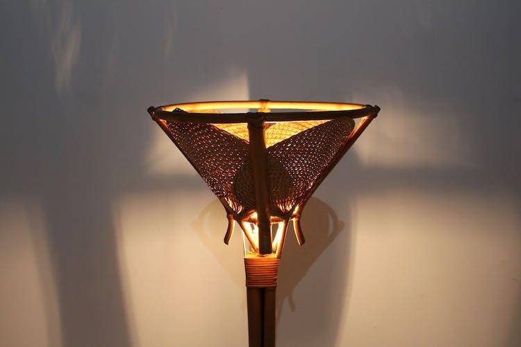 Lampadaire en bambou