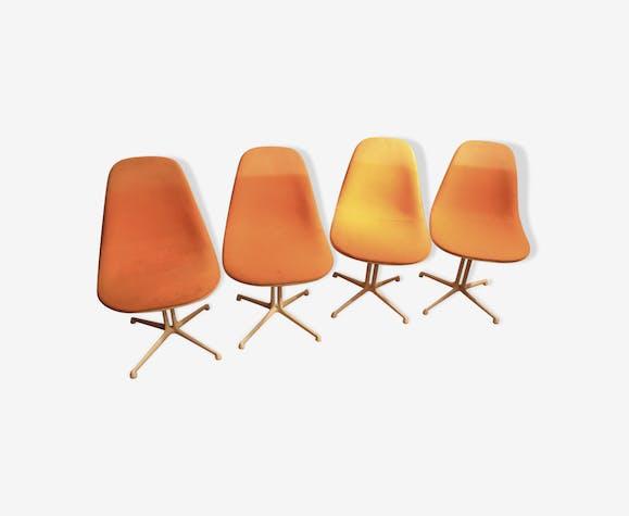 Suite de 4 chaises Lafonda Charles et Ray Eames édition Herman Miller