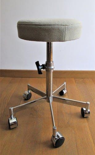 Tabouret de bureau réglable pied chromés roulettes assise tissu vintage