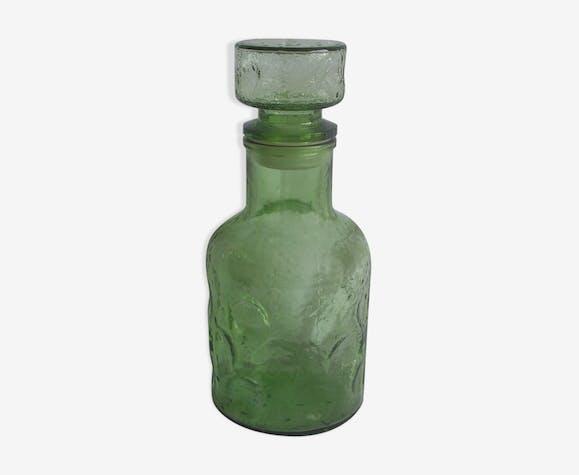 Carafe en verre vert vintage