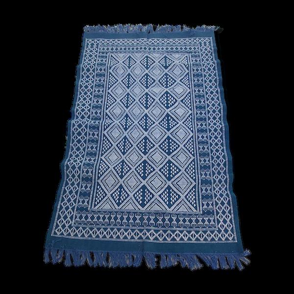 Tapis bleu et blanc berbère traditionnel fait main