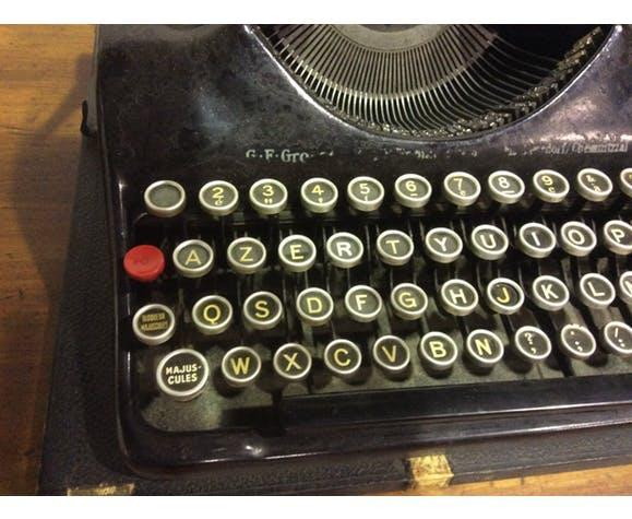 Machine à écrire vintage qwertz 1944 groma modèle N