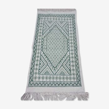 Berber carpet handmade in pure white and green wool 65 x 122 cm