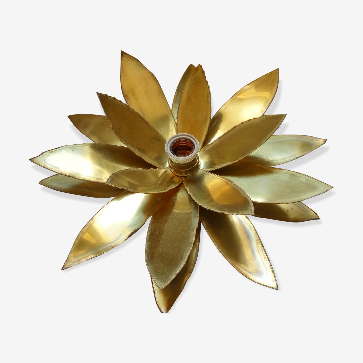 Brass flower wall light