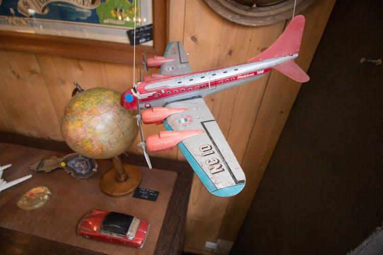 Avion Stratoliner 700