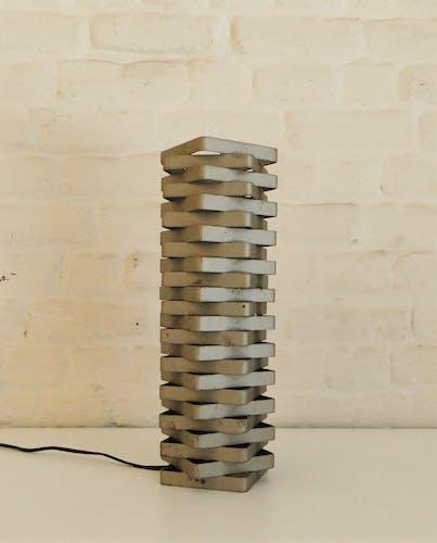 """Lampe de table """"tour carrée"""" en fer, 1970"""