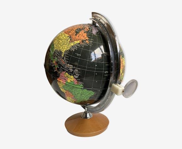 World Map - Bright Earth Globe