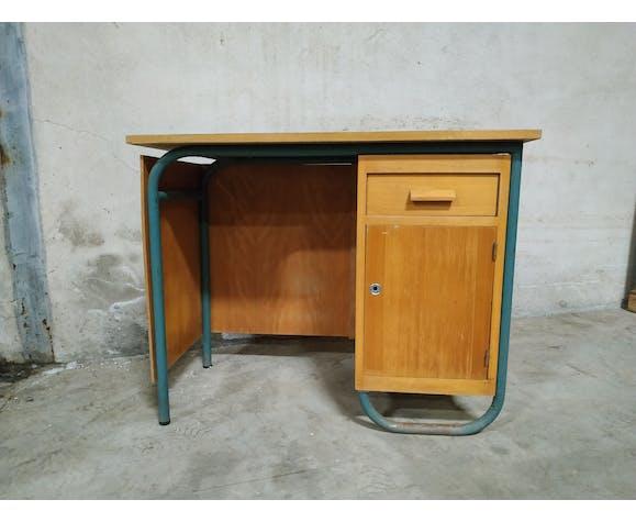 Bureau d'école vintage
